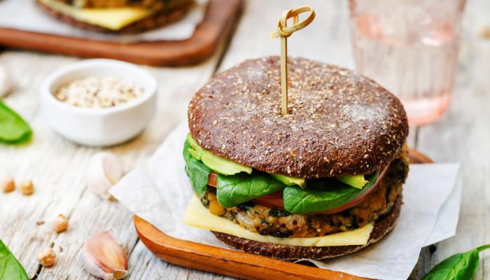 Receta: Hamburguesa de quinoa y frijoles