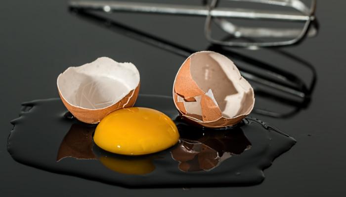 Mito o verdad: ¿el huevo crudo puede transmitir enfermedades?