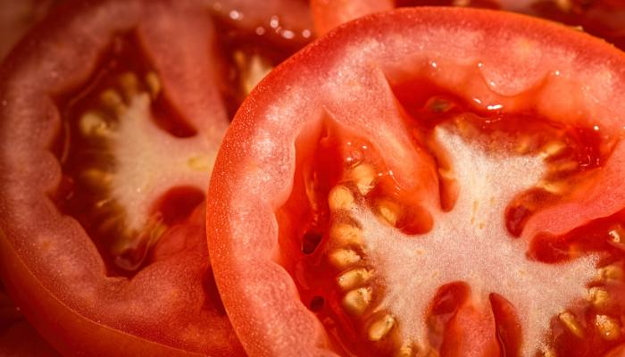 Mito o verdad: ¿las semillas del tomate producen piedras en los riñones?