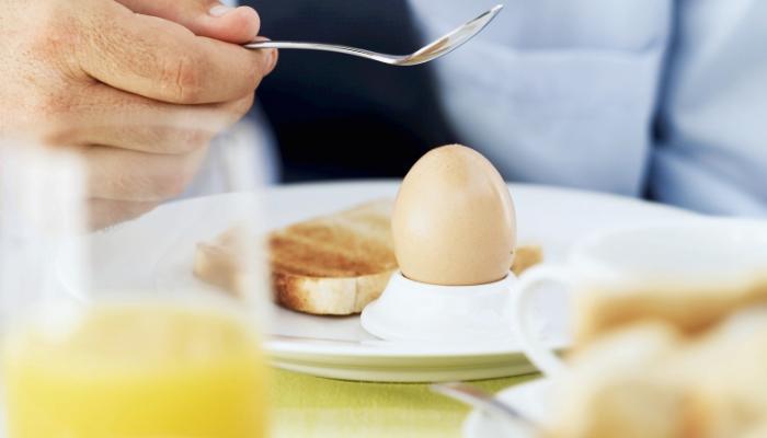 Mito o verdad: ¿comer un huevo al día hace daño?