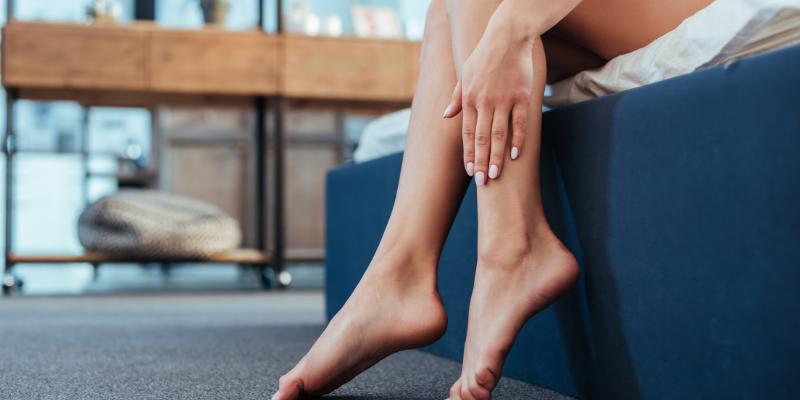 Las piernas se pueden dormir por la compresión de los nervios