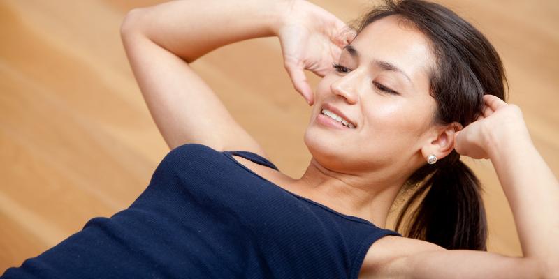 ¿Mito o verdad?: la mejor forma de bajar la panza es haciendo abdominales