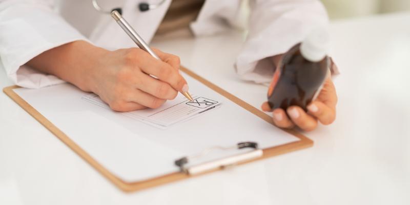 Hipertiroidismo: ¿Por cuánto tiempo se puede recibir tratamiento con medicamentos antiroideos?