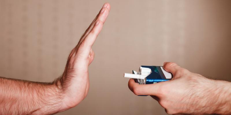 ¿Mito o verdad?: Fumar aumenta el riesgo de disminuir la visión.
