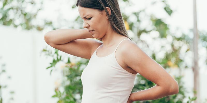 ¿Sabía que?: Tanto la depresión como la ansiedad pueden causar problemas en el cuello y los hombros.