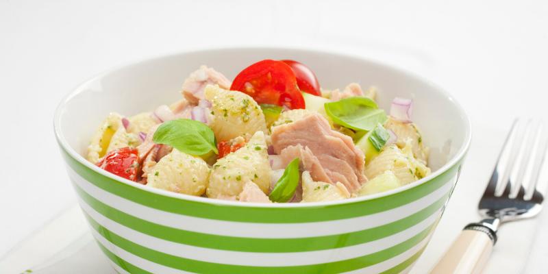 Receta: Ensalada de atún con pasta y huevo cocido