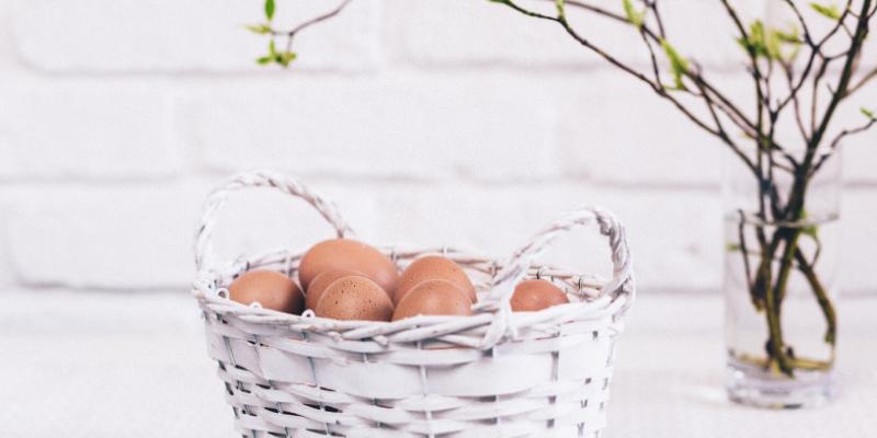 ¿Sabía que?: Puede saber si un huevo es viejo en función de si flota en el agua.