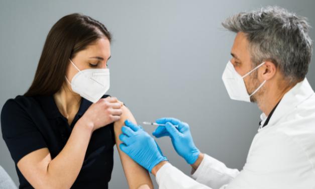 Recibiendo dos veces la vacuna COVID-19